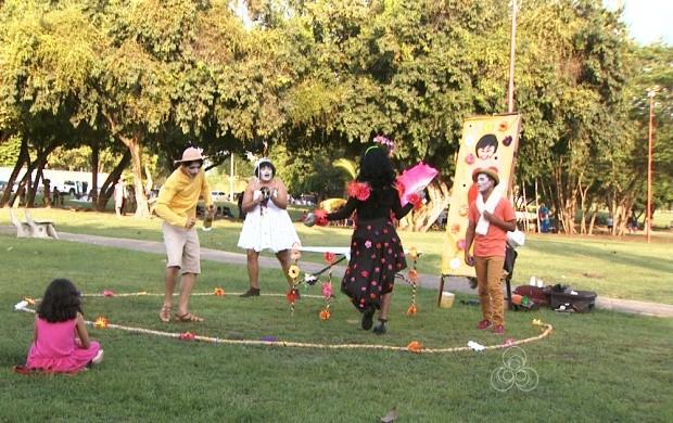 Grupo de teatro do Amazonas faz apresentação em Boa Vista (Foto: Bom Dia Amazônia)