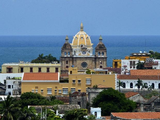 Vista de Cartagena, na Colômbia, com a Catedral de São Pedro Claver no centro (Foto: Luis Acosta/AFP)