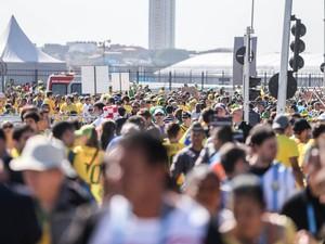 Torcedores chegam a Arena Corinthians para a cerimônia de abertura da Copa do Mundo e pro primeiro jogo entre Brasil x Croácia (Foto: Thiago Bernardes/Frame/Estadão Conteúdo)