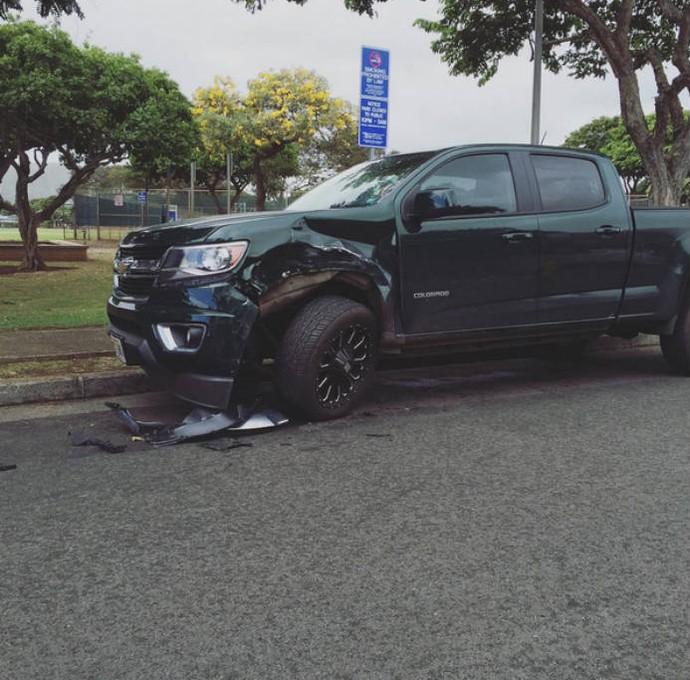 Carissa Moore tem carro batido enquanto estava estacionado na rua (Foto: Reprodução)