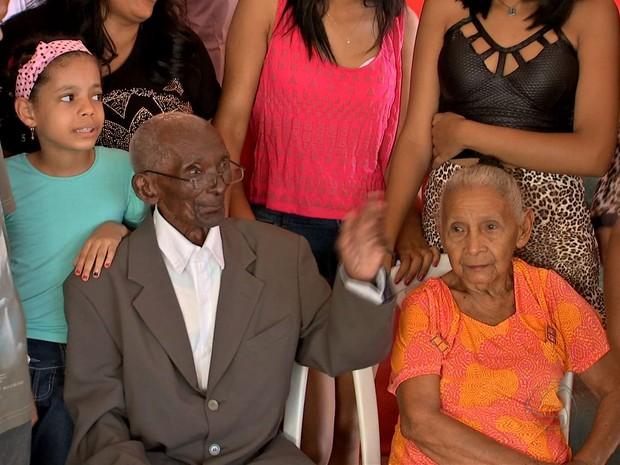 Ele comemorou aniversário acompanhado de familiares e amigos. (Foto: Reprodução/ TVCA)