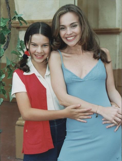 Flávia Monteiro com Fernanda Souza nos tempos de 'Chiquititas' (Foto: Arquivo)