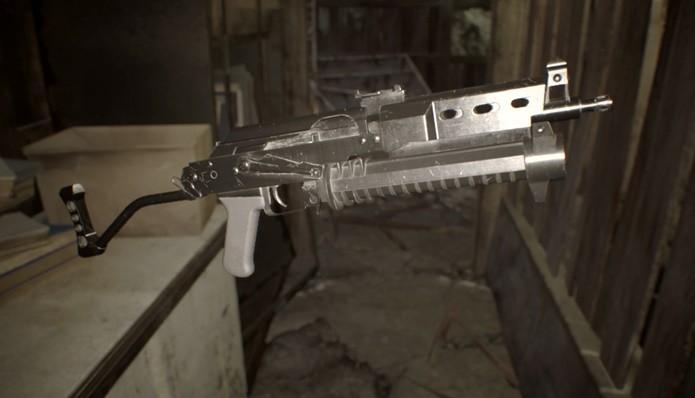 Forte e rápida, metralhadora de Resident Evil 7 é boa contra inimigos comuns ou chefes (Foto: Reprodução/Felipe Demartini)