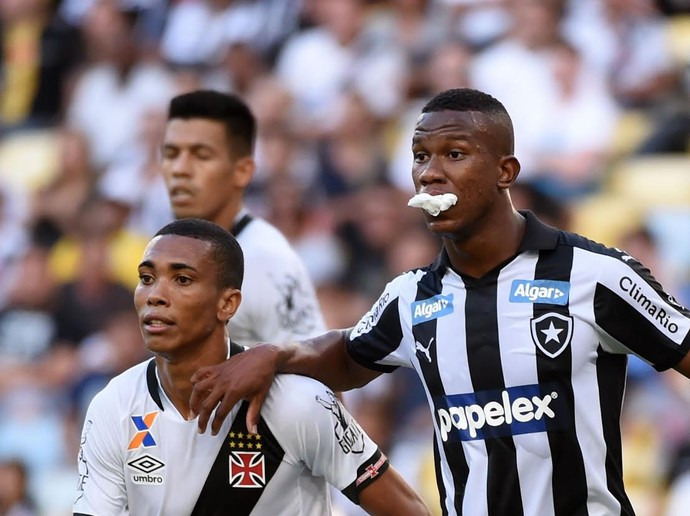 Ribamar e Madson - Botafogo x Vasco (Foto: André Durão/ Globoesporte.com)