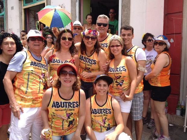 Amigos fazem questão de chegar cedo à concentração do Abutres (Foto: Lorena Andrade / G1)
