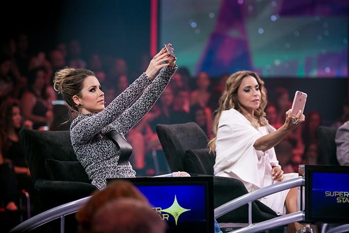 Sandy e Daniela Mercury também fizeram suas 'selfies' (Foto: Isabella Pinheiro/Gshow)