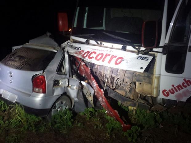 Acidente ocorreu na noite de segunda-feira na BR-163 entre Sinop e Itaúba (Foto: Divulgação/PRF-MT)