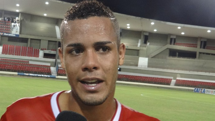 Maxwell, jovem atacante do CRB (Foto: Denison Roma / GloboEsporte.com)