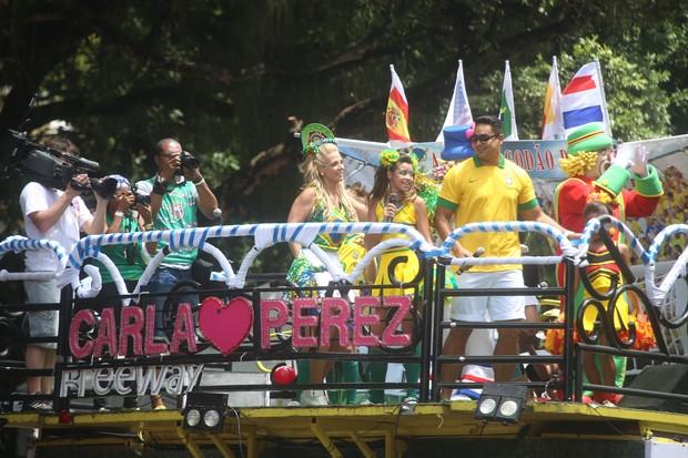 Carla Perez, Xanddy e Patati Patatá no carnaval de Salvador (Foto: Divulgação / Fred Pontes)