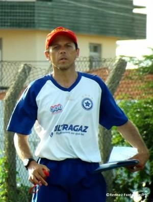 Fernando Tonet, técnico do Parnahyba (Foto: Renneé Fontenele/Ascom)