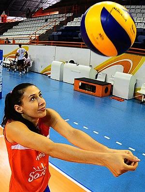 Sheilla vôlei treino Osasco (Foto: Marcos Ribolli / Globoesporte.com)