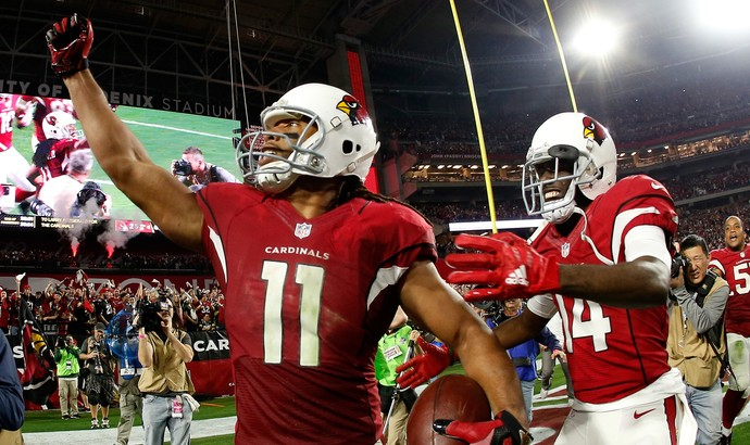Larry Fitzgerald comemora touchdown que deu a vitória ao Arizona Cardinals diante do Green Bay Packers (Foto:  Christian Petersen/Getty Images)