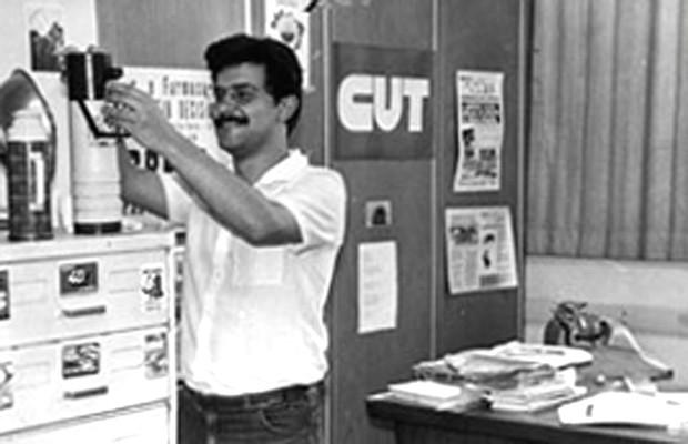 Rui Costa Pimenta em 1985, quando trabalhava como assessor de imprensa da Central Única dos Trabalhadores (CUT) (Foto: Arquivo pessoal/Divulgação)