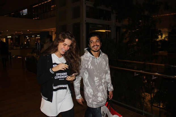 Rayanne MoraIs e Douglas Sampaio (Foto: Rogerio Fidalgo/agNews)