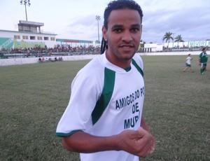 Dênis Marques, participou do Jogo das Estrelas em Murici (Foto: Leonardo Freire/GLOBOESPORTE.COM)