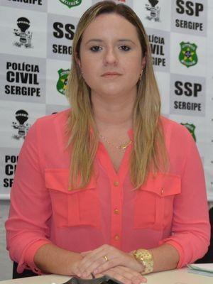 Delegada de Japaratuba, Roberta Fortes, explica operação integrada. (Foto: Flavio Antunes/ G1 SE)