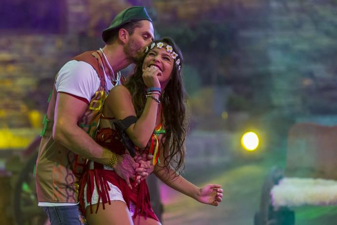 Marcos e Emilly dançando (Foto: Artur Meninea/Gshow)