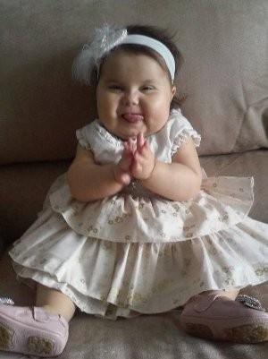 Bebê Sofia contrariou a expectativa dos médicos ao fazer um ano (Foto: Divulgação)
