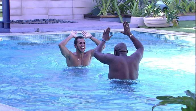 Encontro candidatos e brothers Matheus e William Tarde casa 23_01 (Foto: TV Globo)