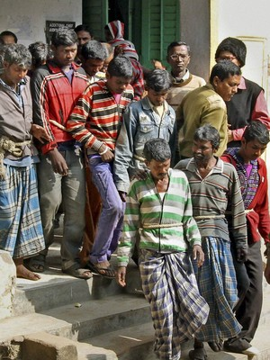 Presos pelo estupro coletivo na Índia (Foto: AP)