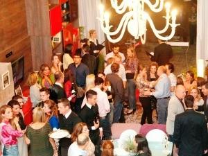 Convidados participaram de um happy hour em Lajeado (Foto: Fotos Werner/ Divulgação)