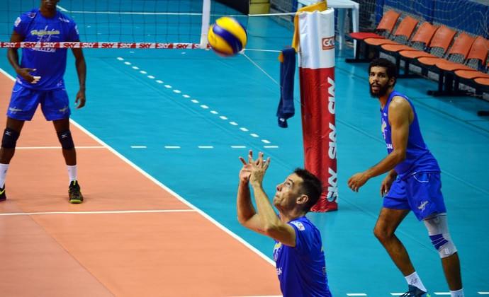 Levantamento Rapha Vôlei Taubaté (Foto: Filipe Rodrigues/GloboEsporte.com)