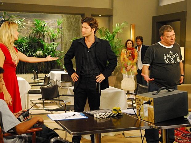 Em 2009, Erik Marmo voltou a Malhação como o assistente Ricardo (Foto: Thiago Prado Neris / TV Globo)