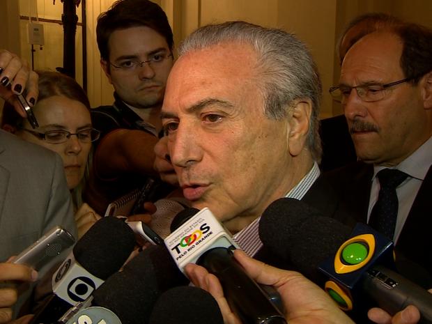 O vice-presidente da República, Michel Temer, estava em Porto Alegre para o velório de Paulo Brossard. (Foto: Reprodução/RBS TV)