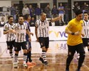 Em noite de Elisandro, Corinthians vence Floripa e se reabilita na LNF
