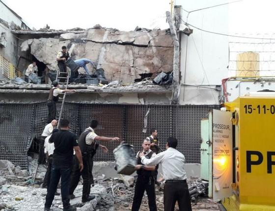 Fachada da Prosegur após quadrilha assaltar a sede da empresa no Paraguai (Foto:  Cortesia/Diario ABC Color)