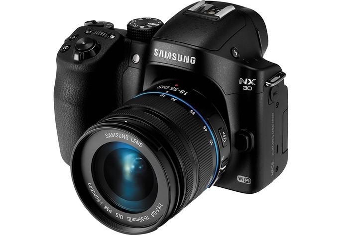 Câmera mirrorless Samsung NX30 (Foto: Divulgação/Samsung)