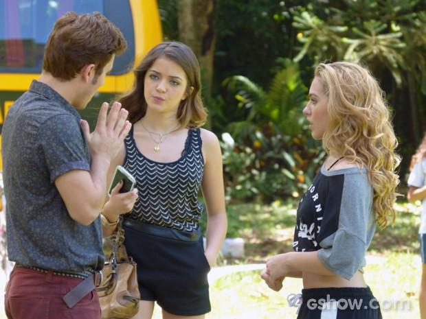 Flaviana cobra explicações  (Foto: Carol Caminha / TV Globo)