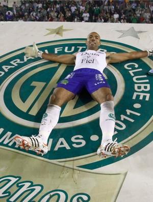 Emerson festeja classificação do Guarani à final do Paulistão (Foto: Gustavo Tilio / Globoesporte.com)