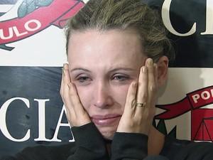 Bárbara recebeu mensagem do suspeito que tentou se passar pela vítima (Foto: Reprodução/TV Tribuna)