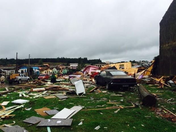 São Francisco de Paula teve estragos semelhantes a de um tornado (Foto: Divulgação/Defesa Civil)