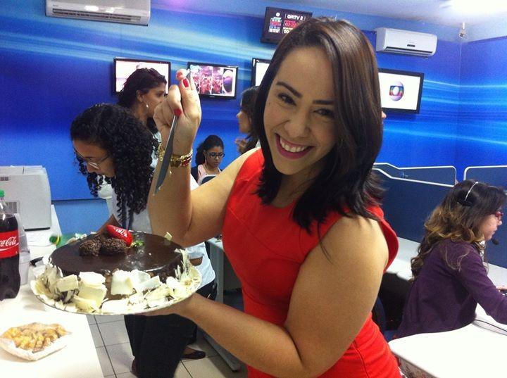 Leciane Lima é repórter da TV Grande Rio (Foto: Arquivo Pessoal)