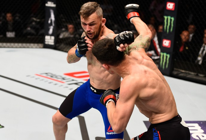 Damien Brown Cesar Arzamendia UFC 201 (Foto: Getty Images)