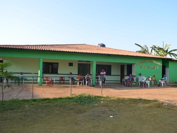 Casa de Acolhida São Camilo foi escolhida pelos próprios estudantes para receber a doação (Foto: Rogério Aderbal/G1)