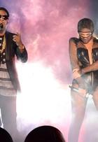Beyoncé usa looks da Versace e Diesel em show com Jay-Z