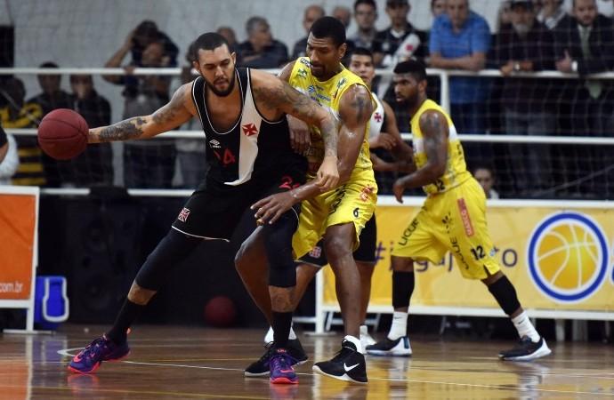 Vasco x Campo Mourão jogo 4 final Liga Ouro basquete (Foto: João Piires/LNB)