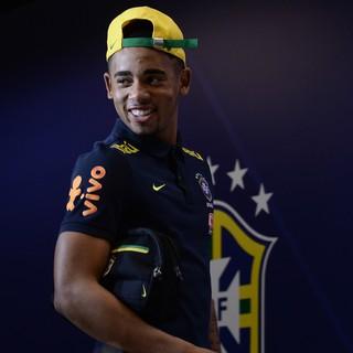 Gabriel Jesus na entrevista coletiva da seleção brasileira em Manaus (Foto: Pedro Martins/MoWa Press)