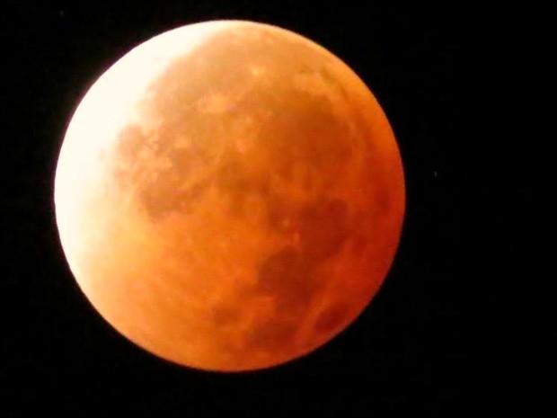O empresário Henrique Anastácio acompanhou todas as mudanças na coloração da Lua de sangue (Foto: Henrique Anastácio/Arquivo pessoal)