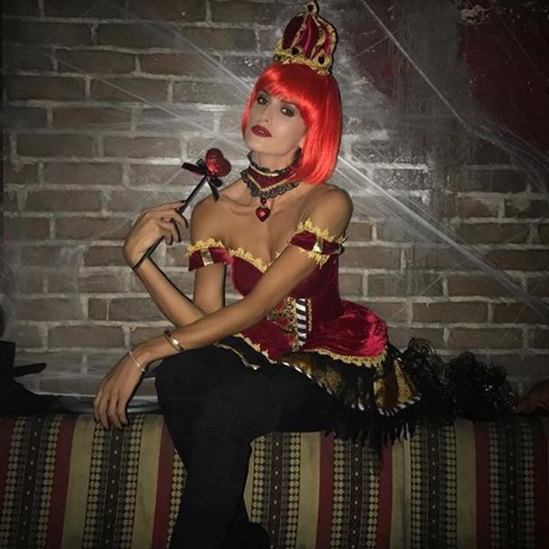 Izabel Goulart no Halloween (Foto: Instagram/Reprodução)