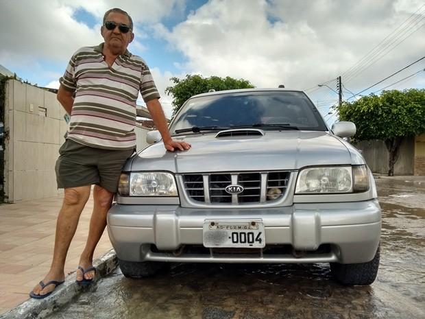 Foram mais de 2,5 mil km de viagem para ter Formiga na placa do carro  (Foto: André Resende/G1)