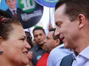 Russomanno conversa com eleitora na Zona Leste (Foto: Germano Assad/G1)