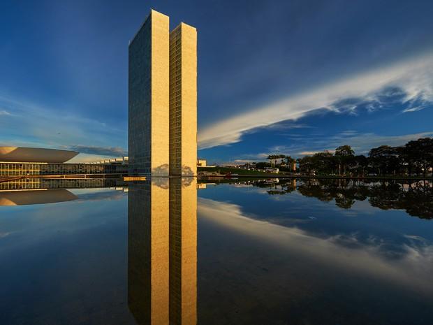 Torres e espelho d'água do Congresso Nacional (Foto: João Campello/Divulgação)