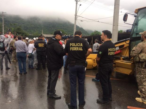 Reintegração de posse é realizada em Santos, SP (Foto: Carlos Abelha/G1)