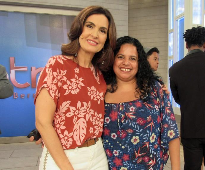 Convidada do Encontro ao lado da apresentadora (Foto: Priscilla Massena/Gshow)