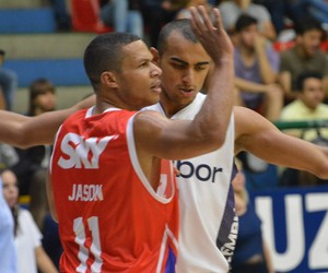 Jason Smith - Mogi x Pinheiros - NBB (Foto: Rodrigo Mariano)