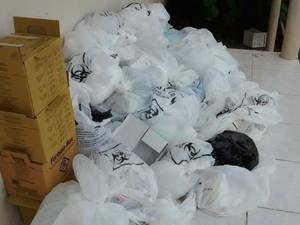 Enfermeiro disse que lixo hospitalar não está sendo recolhido  (Foto: Arquivo pessoal)